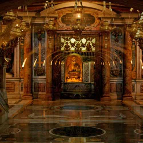 Visita tumba de São Pedro (Basílica de São Pedro)